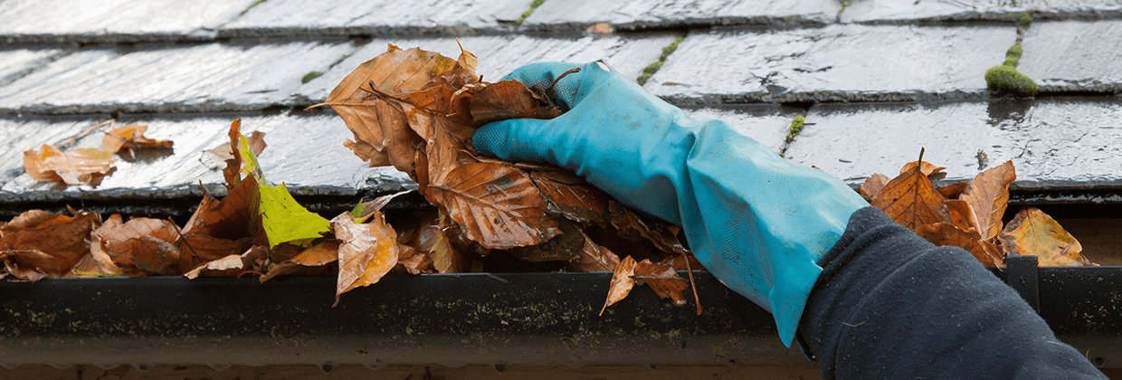 Gutter-Cleaning-Farnham